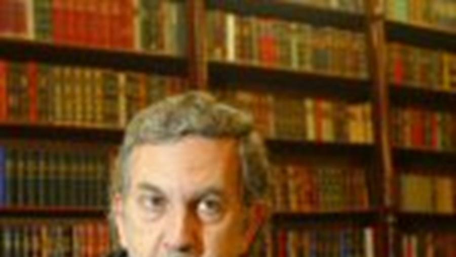 José Miguel Júdice acusa a Ordem de 'desonrar-se' e à advocacia
