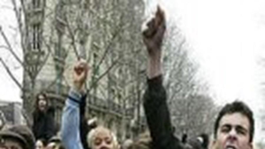 Novos protestos em França