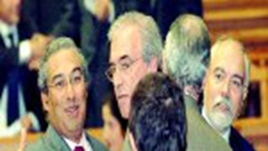 O ministro garante que a verba poupada é reinvestida no reequipamento das Forças de Segurança