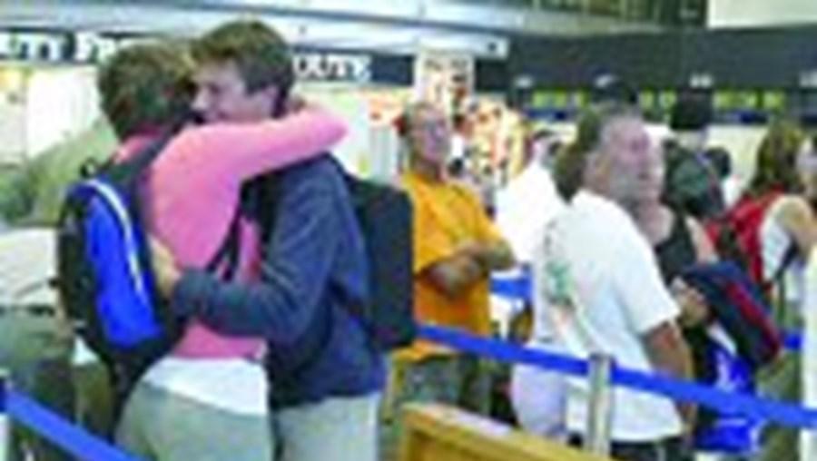 Passageiros da British Airways queixam-se de falta de ajuda