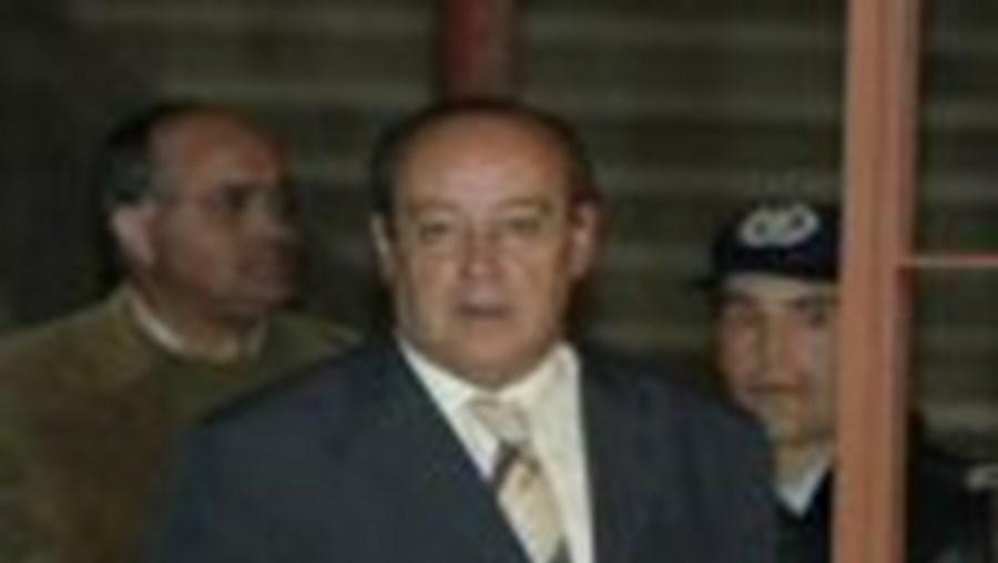 Pinto da Costa queixou-se do magistrado, por detenção ilegal, há dois anos, mas o processo não anda