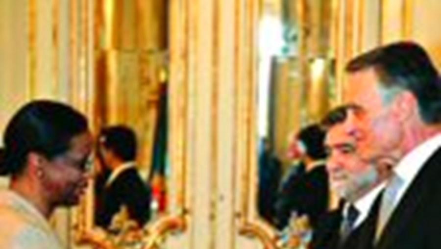 Cavaco Silva e Luís Amado perante diplomatas de 96 embaixadas