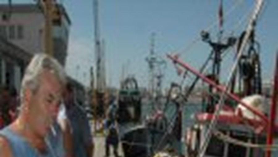 Pescadores consideram que a situação é insustentável, estando em causa 200 postos de trabalho