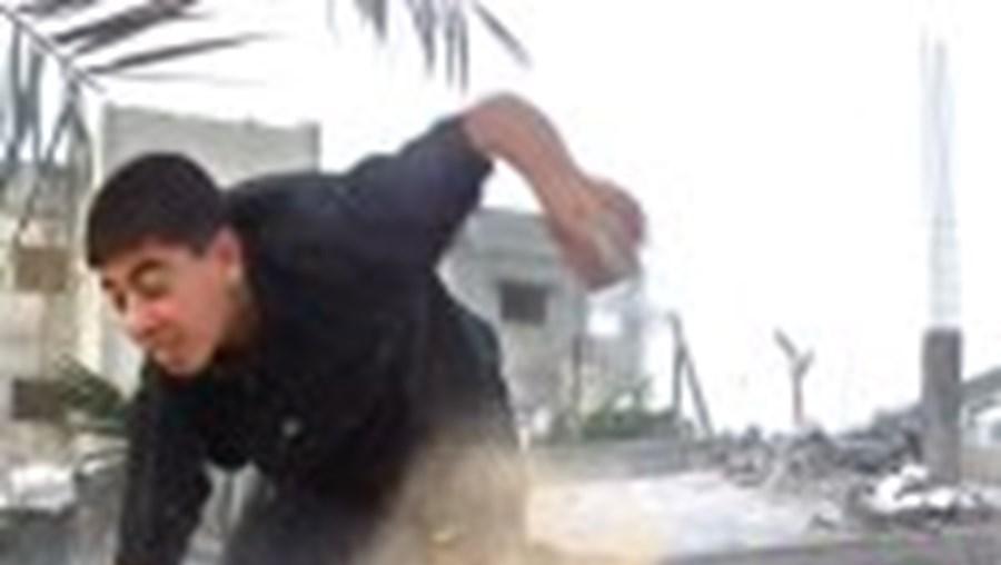 Tiroteio israelita em Rafah. Mazen quer retirada