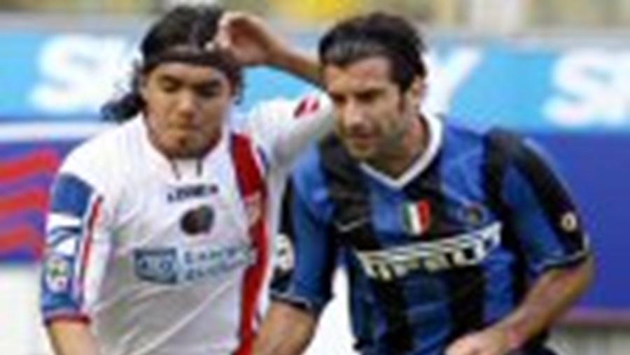 Luís Figo é comandante destacado do campeonato italiano pelo Inter de Milão, clube que irá deixar no final da temporada