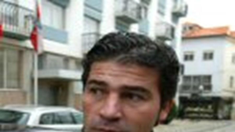 Técnico Francisco Soler chega a Portugal indicado por empresa espanhola e manda Carlos Carvalhal para o desemprego