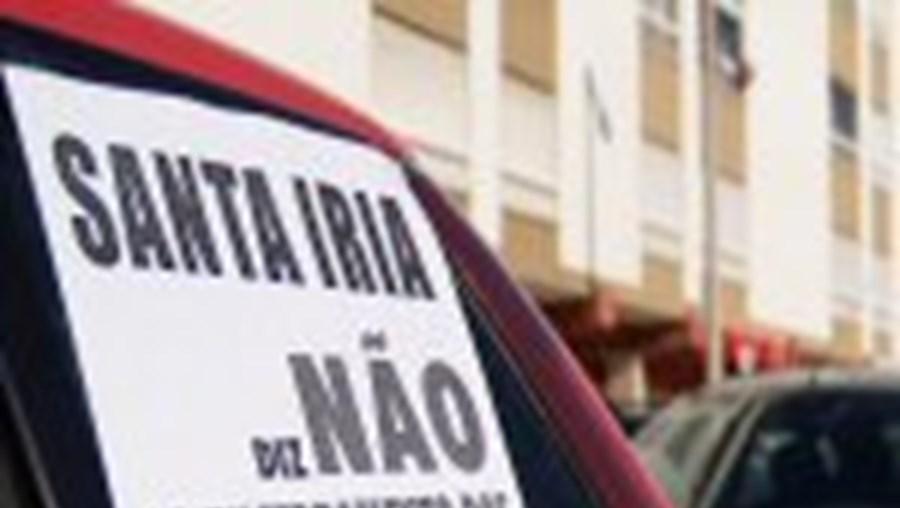 Populares de dez freguesias afectadas protestaram ontem