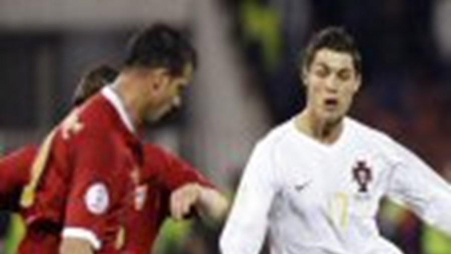 Dias Loureiro ficou triste com o resultado Portugal-Sérvia. Jorge Coelho esperava mais, pois a Selecção tinha condições para ganhar