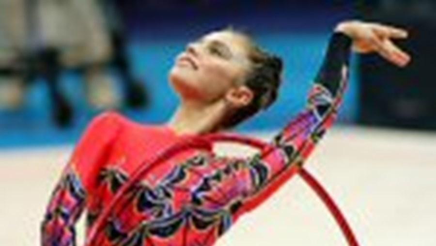 Alina Kabaeva passeou a sua beleza e talento rumo ao Ouro