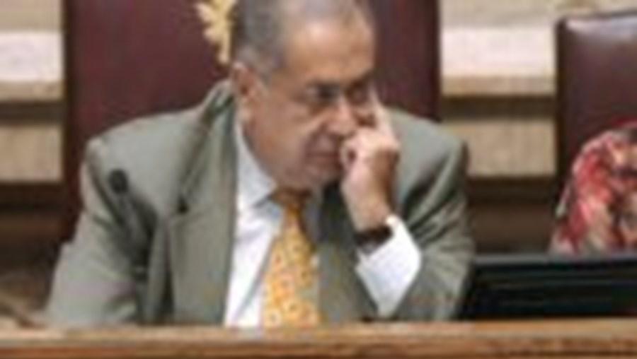 Ministro Teixeira dos Santos explicou números