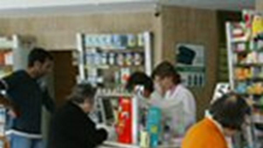 Despesas de idosos carenciados nas farmácias só vão pesar menos no bolso dentro de algumas semanas
