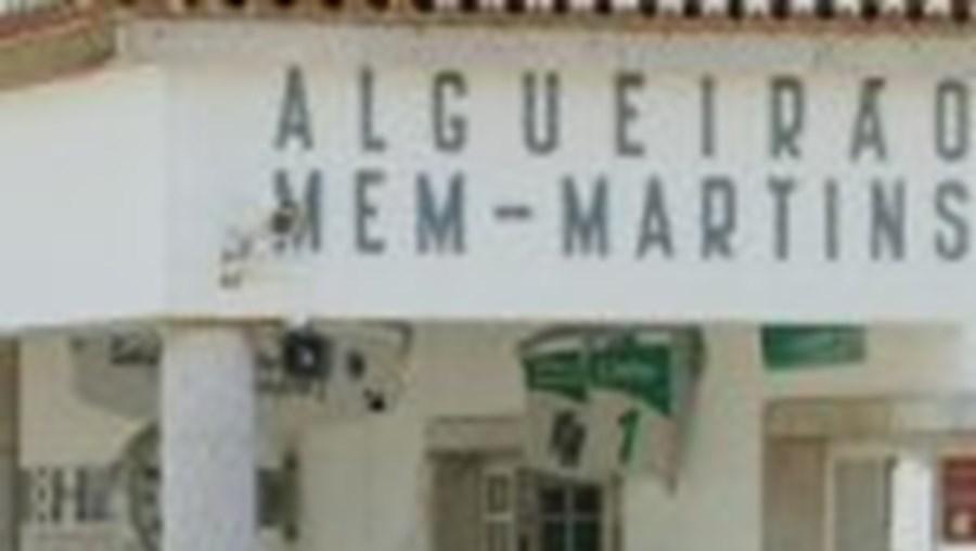 Algueirão-Mem Martins à espera de obras na estação de comboios