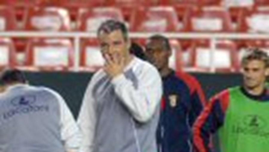 Jorge Costa (à esq.): 'Jogadores não têm medo da pressão'