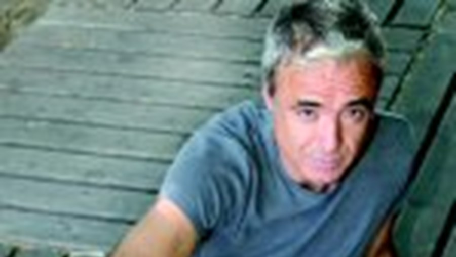 O músico João Gil lança novo projecto musical
