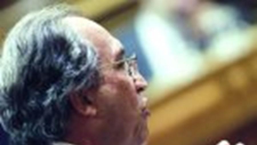 Carlos Carvalhas atacou duramente o Governo de Barroso