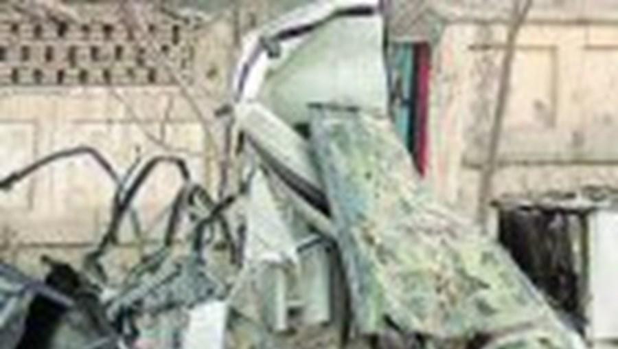 Em Cabul, pelo menos 16 pessoas morreram e 12 ficaram feridas num ataque a um veículo militar