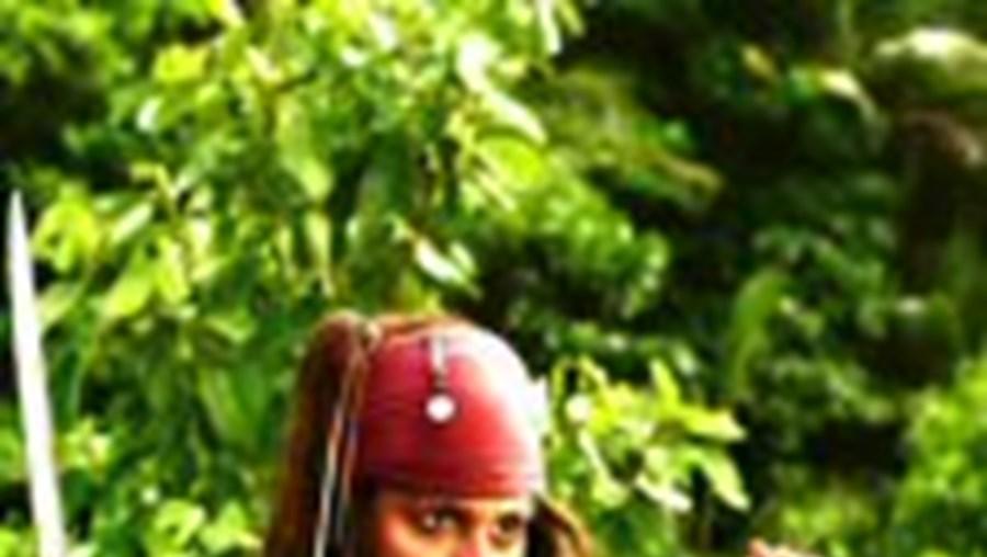 Johnny Depp é 'Jack Sparrow', o pirata dos três filmes da série