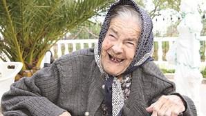 Fez 100 anos a rir e a cantar