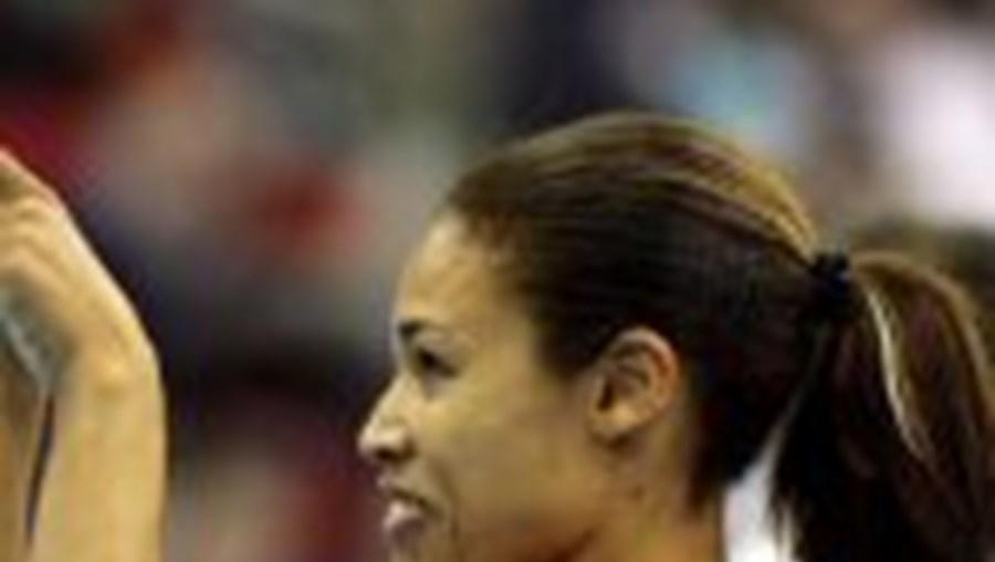 Naide Gomes bate recorde nacional