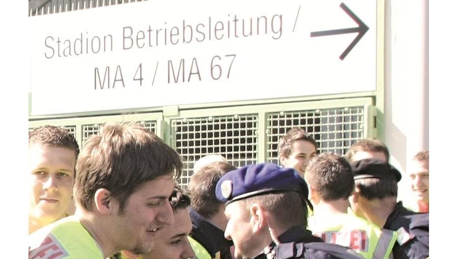 Forças policiais austríacas têm levado a cabo treinos diários