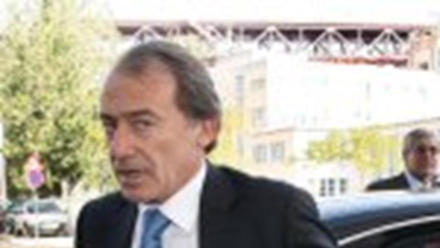 Menezes diz que nunca apoiará Ferreira Leite
