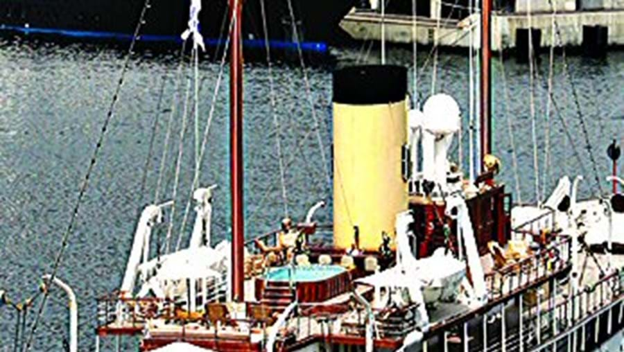 'Delphine' atracado no Mónaco