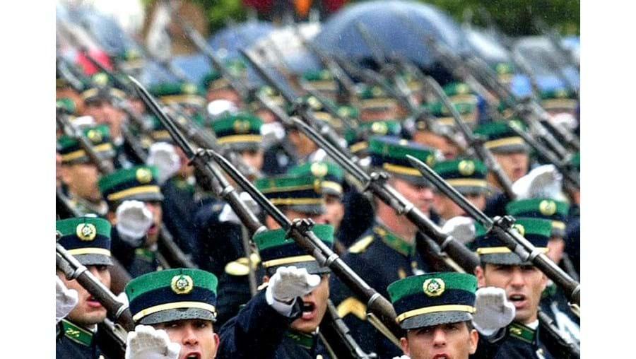 Ministro Rui Pereira presidiu à cerimónia do compromisso de honra de 1240 novos militares da GNR