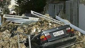 Grécia: Dois mortos e mais de cem feridos