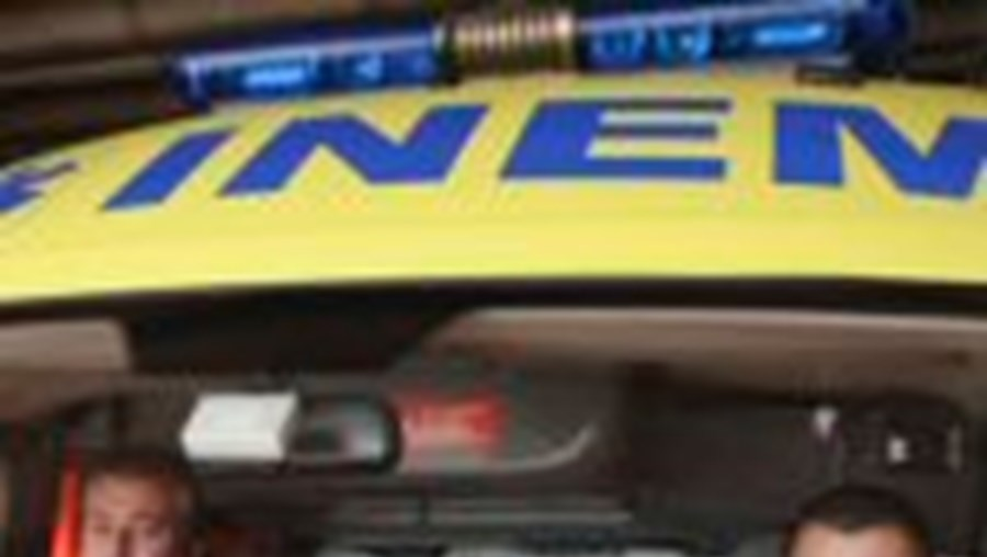 Os bombeiros tiveram de chamar a PSP para controlar o homem a quem estavam a prestar socorro