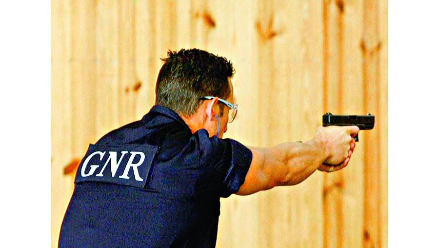 Nos cursos de formação a iniciar em 2009, os futuros agentes da PSP e militares da GNR terão 1050 horas de formação curricular em comum