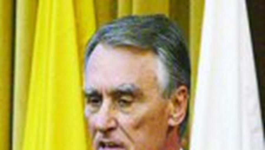 Cavaco Silva quer mais apoio para emigrantes portugueses