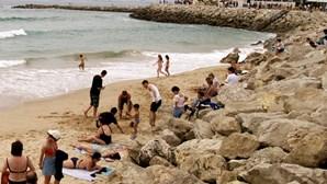 Intervenção nas praias da Caparica
