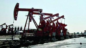Países da OPEP enchem cofres com alta do petróleo