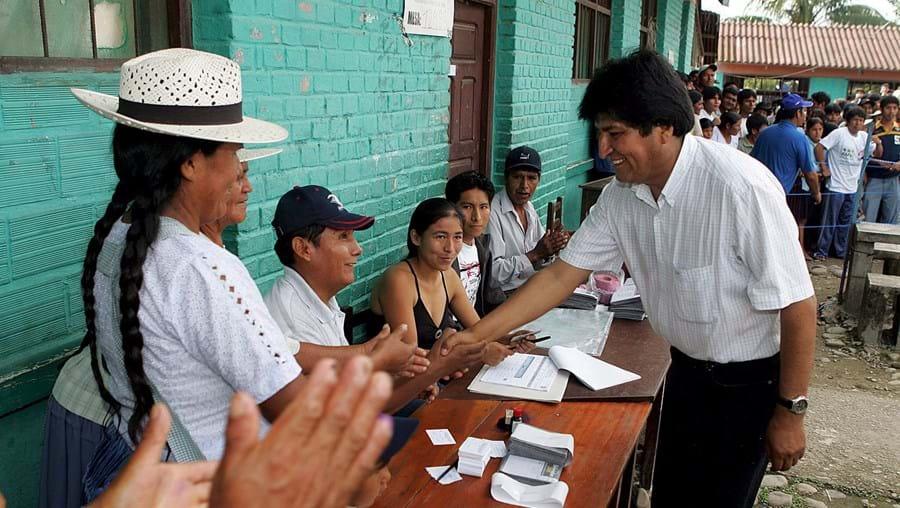 Quatro milhões de bolivianos votam
