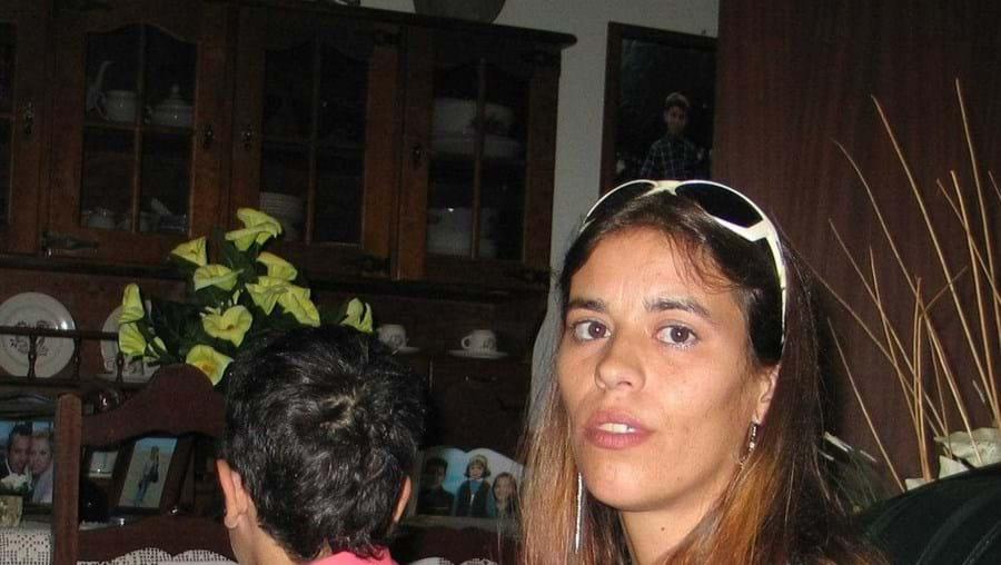 Pedro (na foto) terá sido abusado pelo pai. A mãe, Ana Cláudia, espera que aquele seja condenado