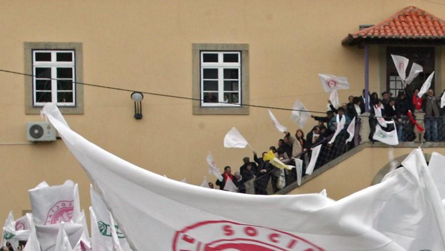 No próximo ano, realizam-se em Portugal três campanhas eleitorais, o que exige um esforço financeiro elevado ao nível da propaganda