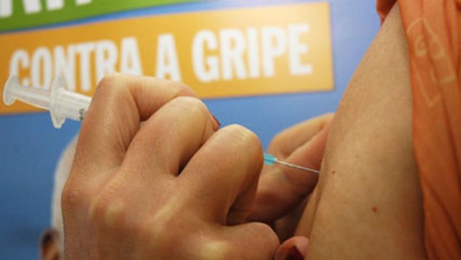 Vacinação é aconselhada a idosos