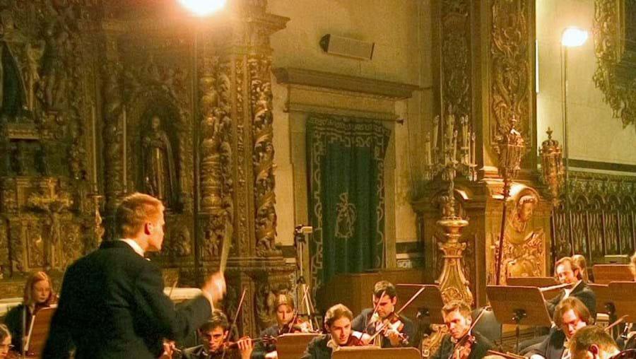 Música, teatro e fado em eventos culturais