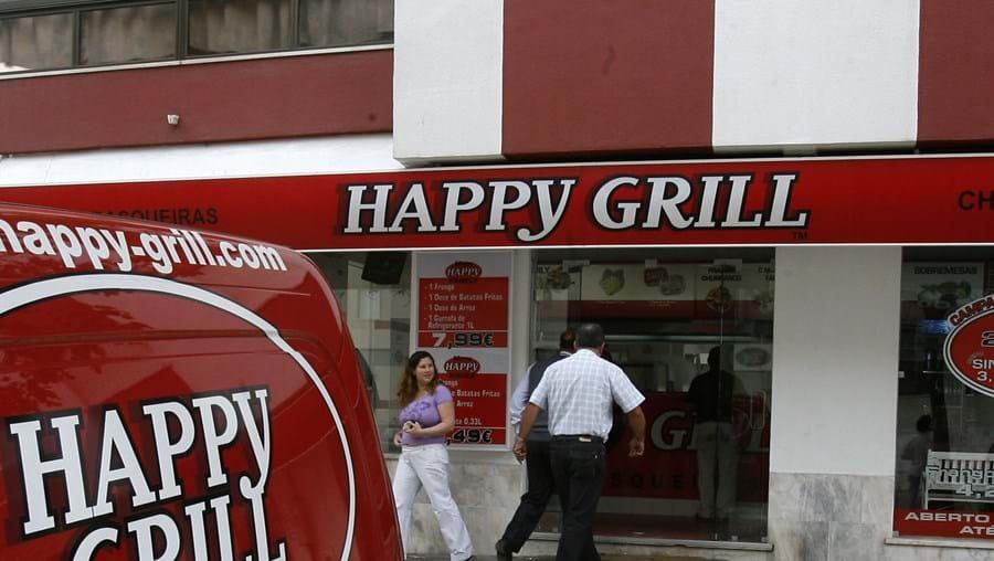 Dois restaurantes da cadeia Happy Grill na Margem Sul foram atacados pela mesma dupla armada