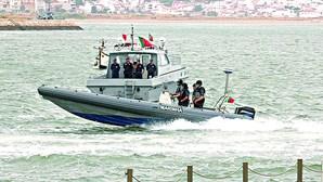 Marinha persegue 'chuponas' no mar