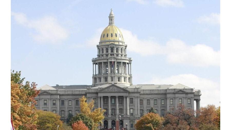 Obama juntou mais de cem mil pessoas em Denver, no maior comício da campanha