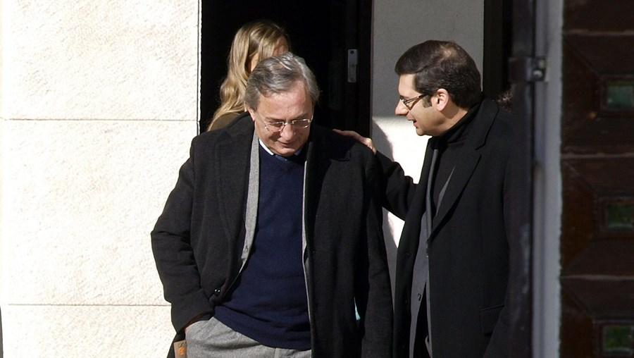 Carlos Cruz à saída do Tribunal de Monsanto