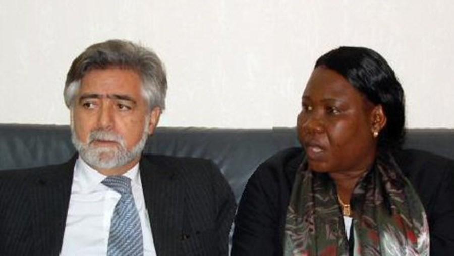 Luís Amado com a homóloga guineense Maria Adiato Djalo Mandigna