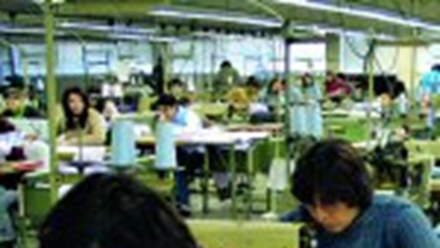 2500 trabalhadores com salários reduzidos