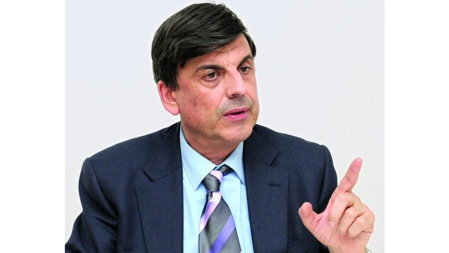 Advogado Garcia Pereira alerta professores para batalha jurídica longa