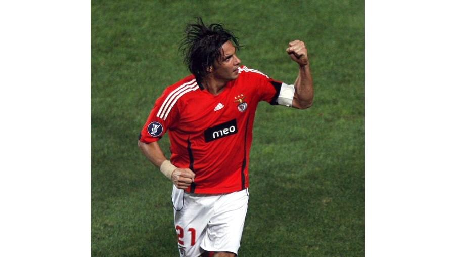 Nuno Gomes, de 32 anos, tem contrato até final desta temporada