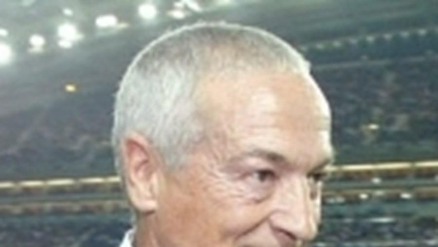 Jesualdo chamou Benitez, Sapunaru e Stepanov