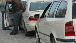 Taxistas contra autocarros