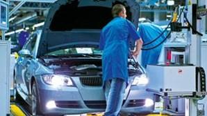 Produção Automóvel no Reino Unido caiu 51,3 por cento