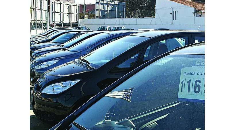 4a43baaa73701 Empresários querem apoio para exportar carros usados - Economia ...